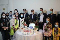 حضور استاندار البرز و خانواده پای سفره هفت سین کودکان بی سرپرست